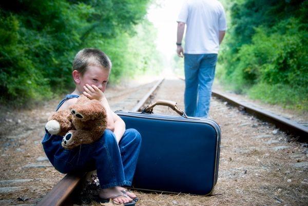 El abandono tiene ecos en la adultez
